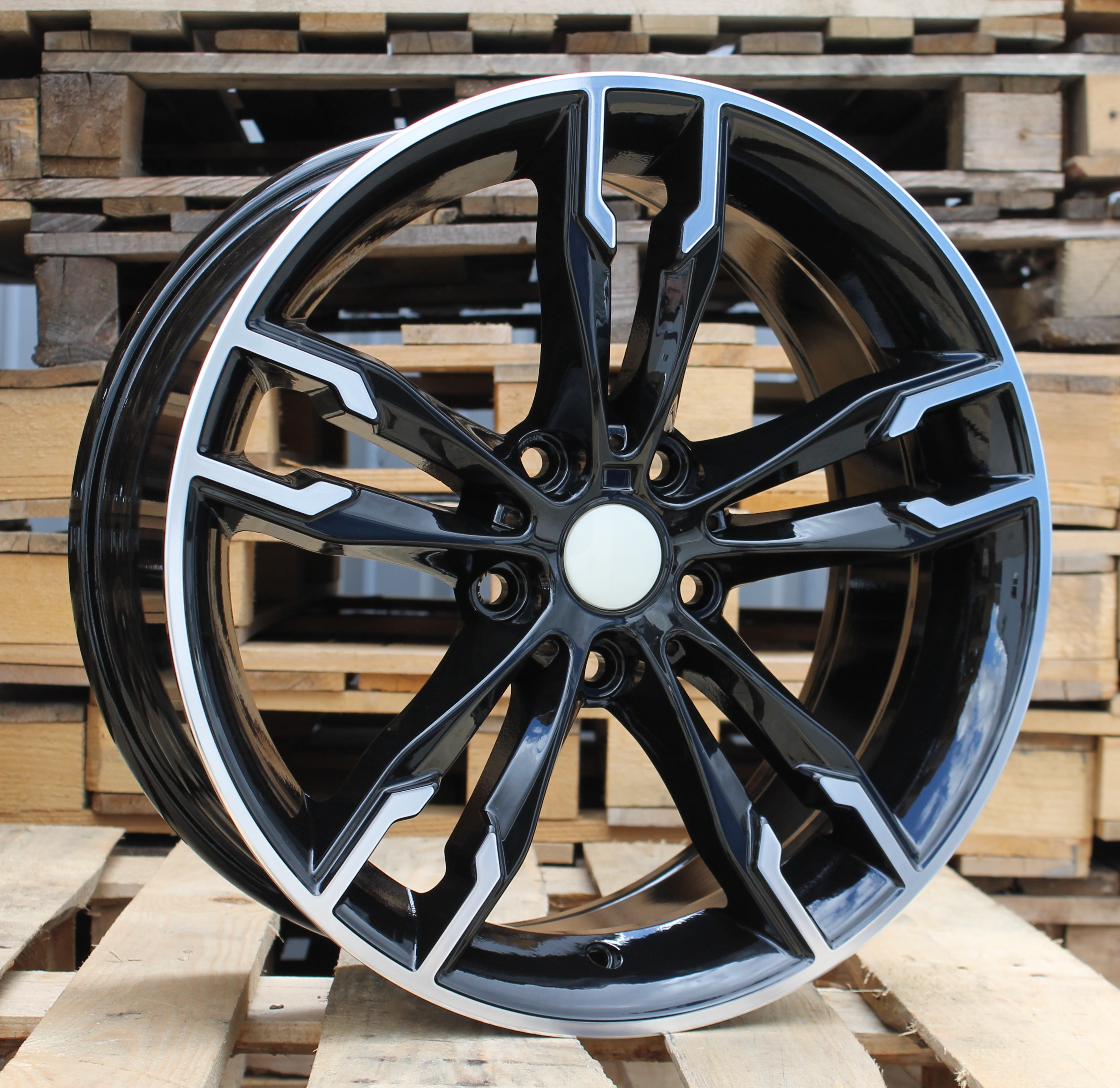 B18X8 5X120 ET40 72.5 BY1257 MB+Powder Coating RWR BM (+3eur) (K7)## 8x18 ET41 5x120