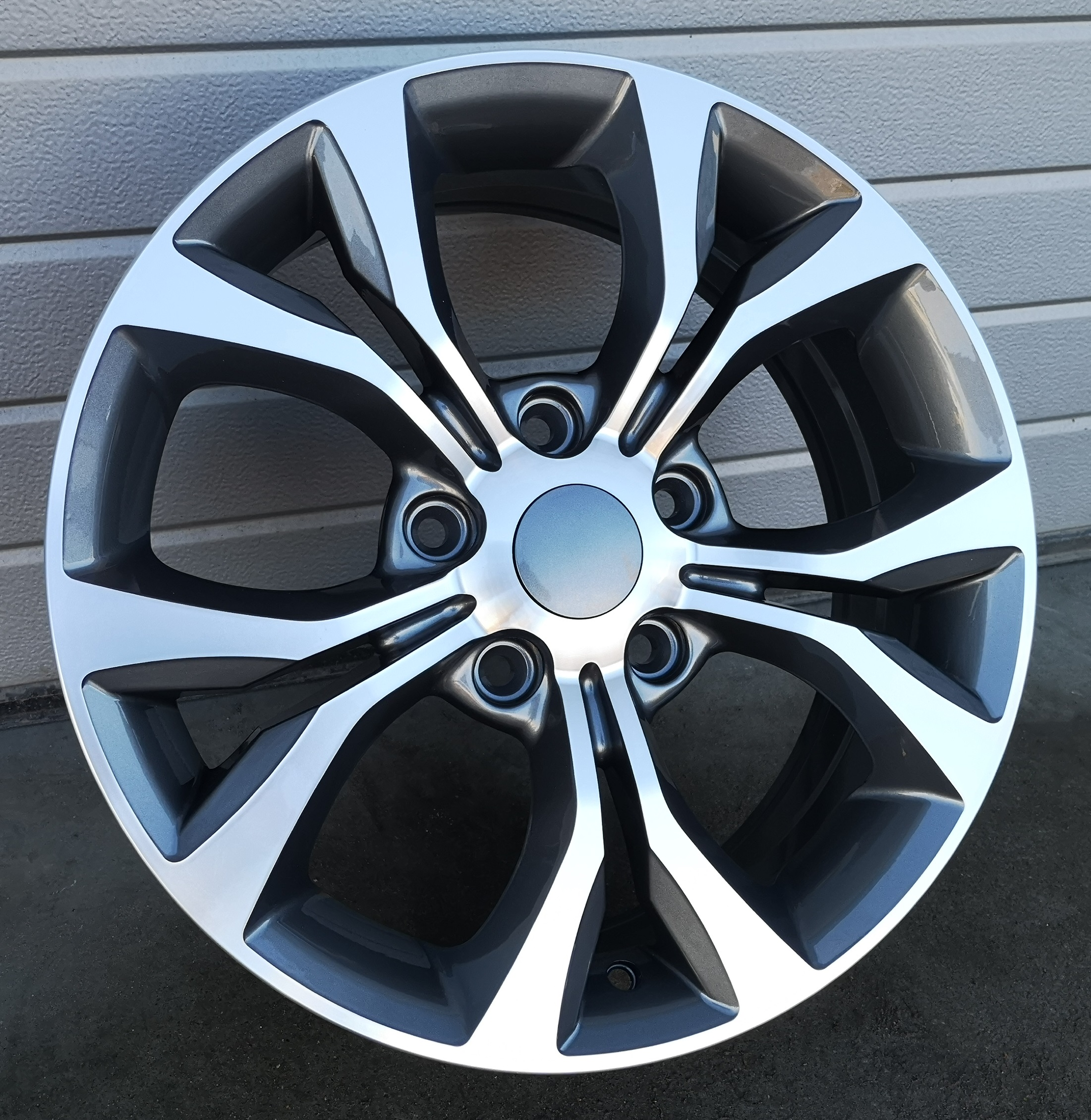 D17X6.5 5X127 ET40 71.5 BY1270 MG+POWDER COATING (+3eur) RWR Chrys (D1)## 6.5x17 ET40 5x127