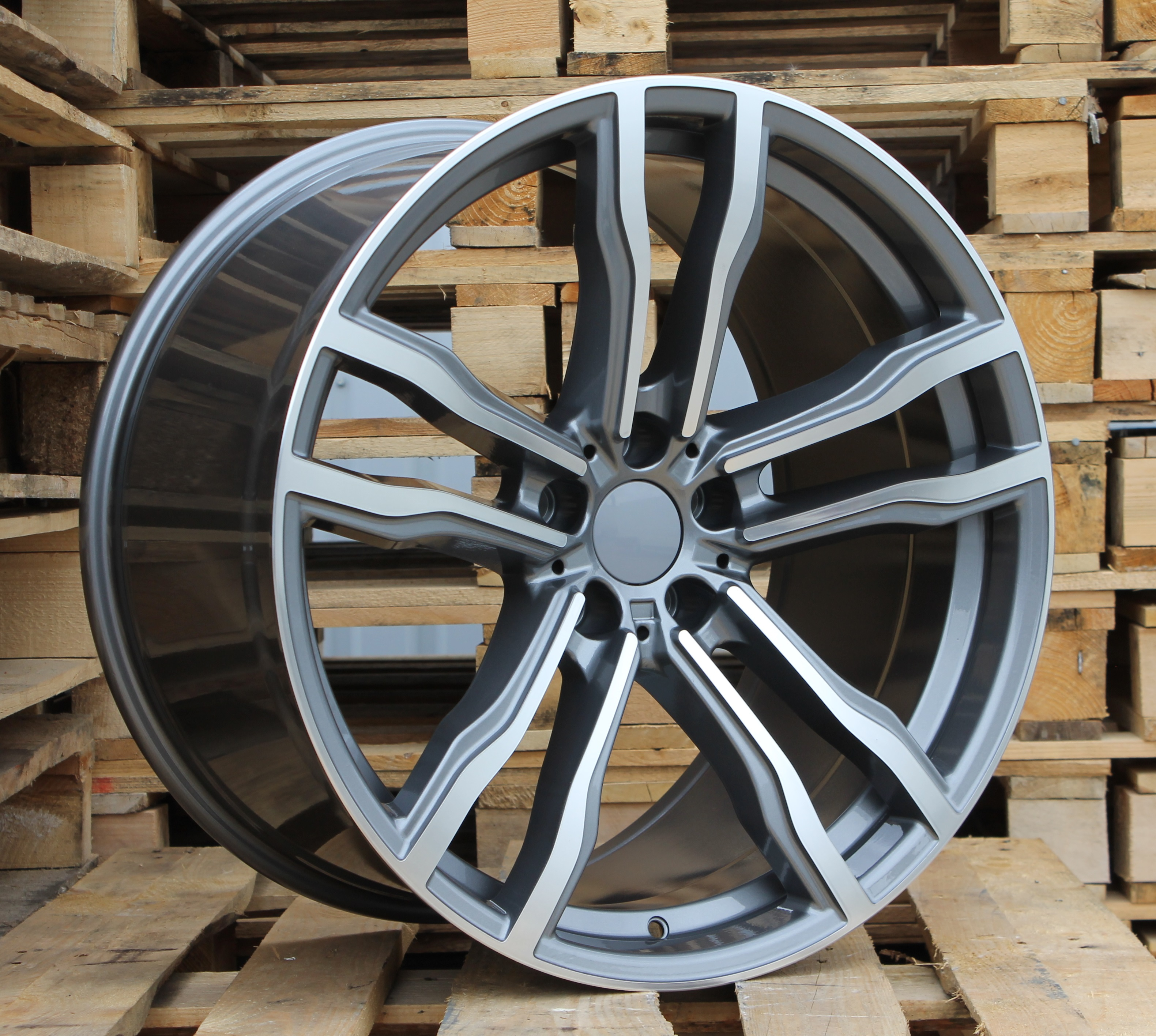 B19X8.5 5X120 ET30 72.6 BY588 MG+Powder coating (Rear+Front) RWR BM (+3eur) (K4) 8.5x19 ET30 5x120