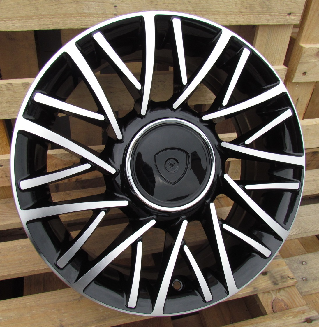 F15X6 4X98 ET30 58.1 LU360 (360156010M) MB RWR Lancia (R) 6x15 ET30 4x98