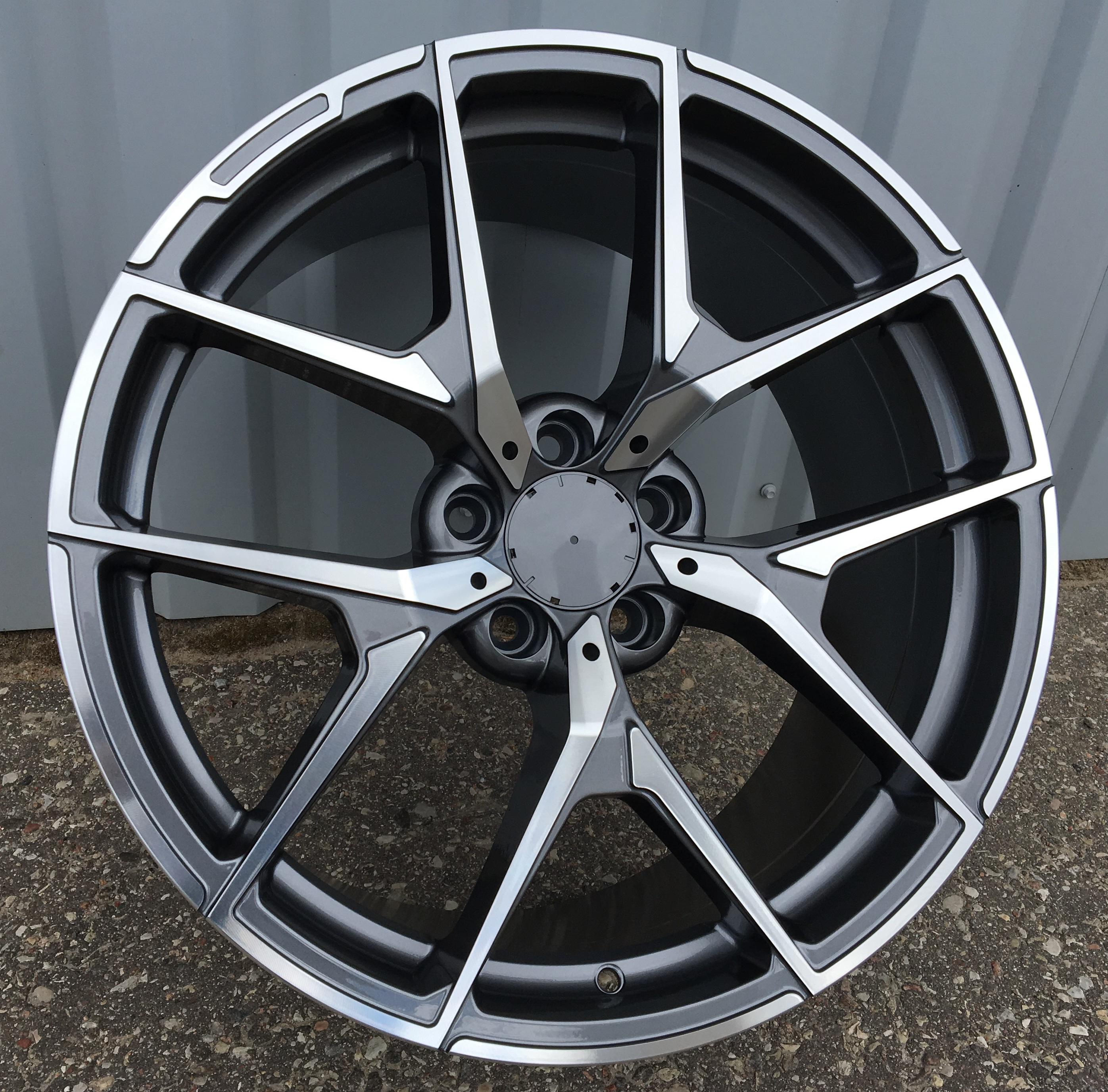M17X8 5X112 ET40 66.56 XFE137 MG+Powder Coating RWR MER (+3eur) (K4)## 8x17 ET40 5x112