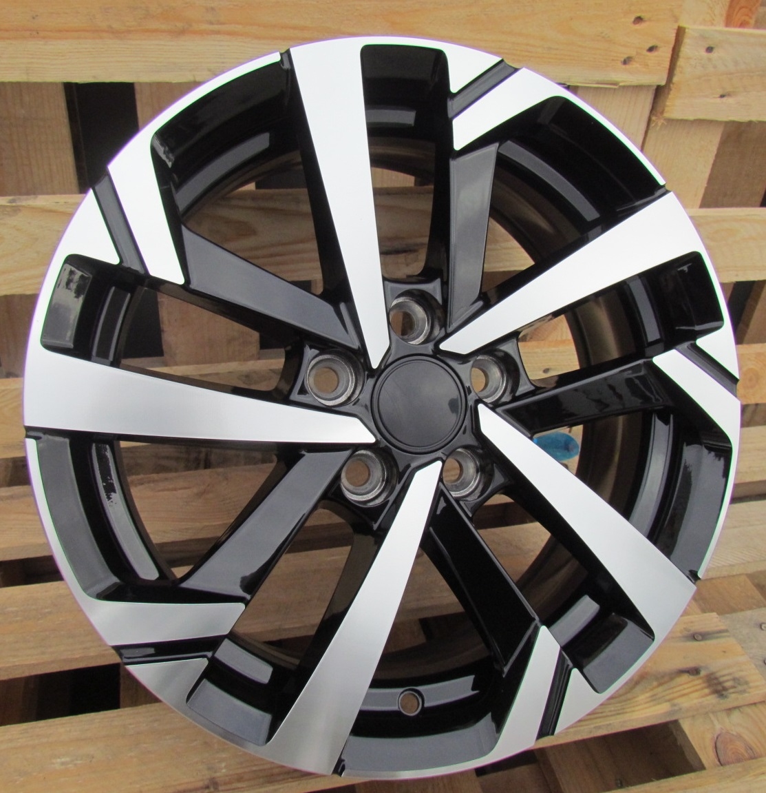 W15X6 5X100 ET40 57.1 XFE276 MB+Powder coating RWR W (P1)## 6x15 ET40 5x100