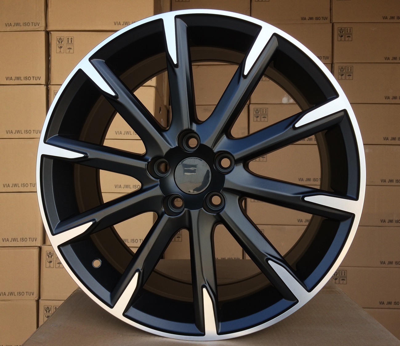 V18X8 5X108 ET49 67.1 V516 (FE135) MB+Powder Coating RWR VOL (+3eur) (K5)## 8x18 ET50 5x108